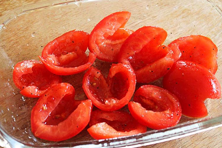 Chrissy Teigen Tomato Basil Soup
