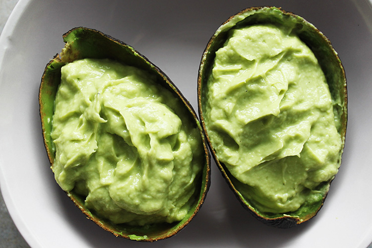 avocado onion cream