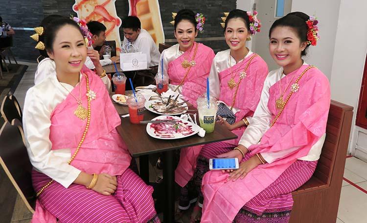 girls bangkok