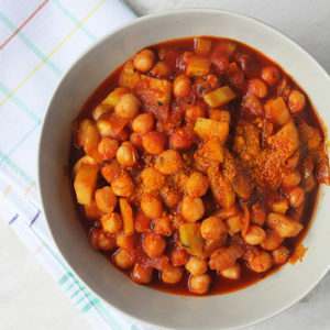 Simple One-Pot Chickpeas bowl